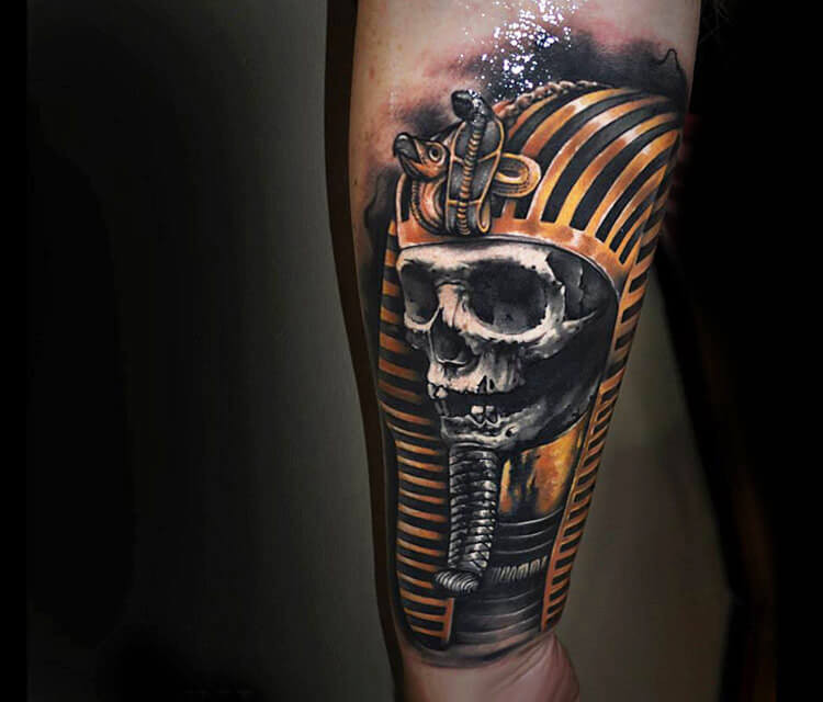 Egypt skull tattoo by Benjamin Laukis