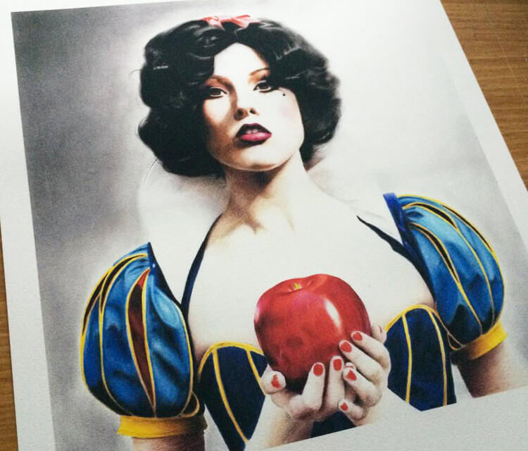 Snow White by Jonathan Knight Art
