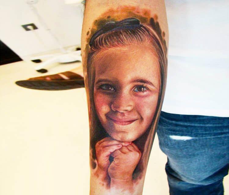 Little girl tattoo by Led Coult