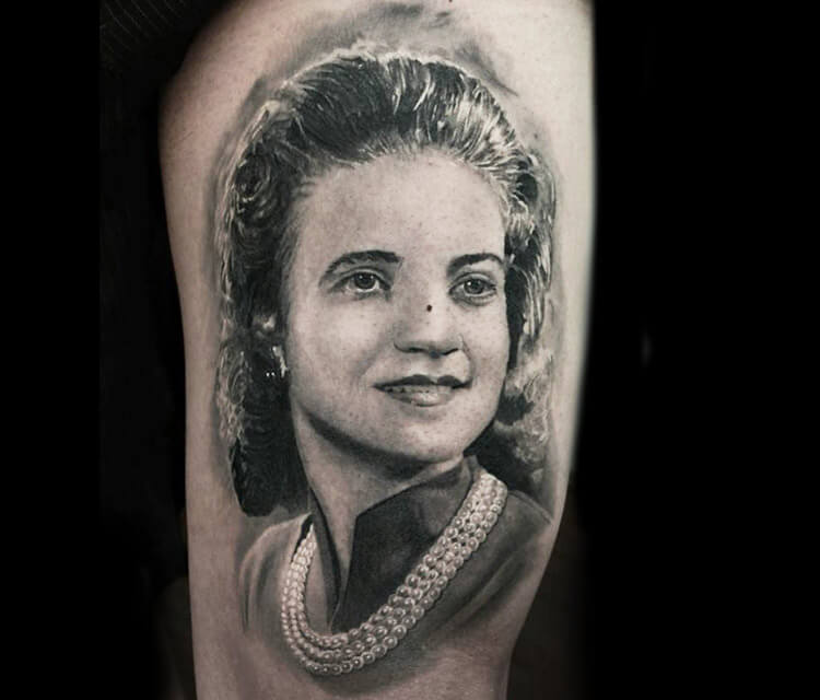 Woman portrait tattoo by Led Coult
