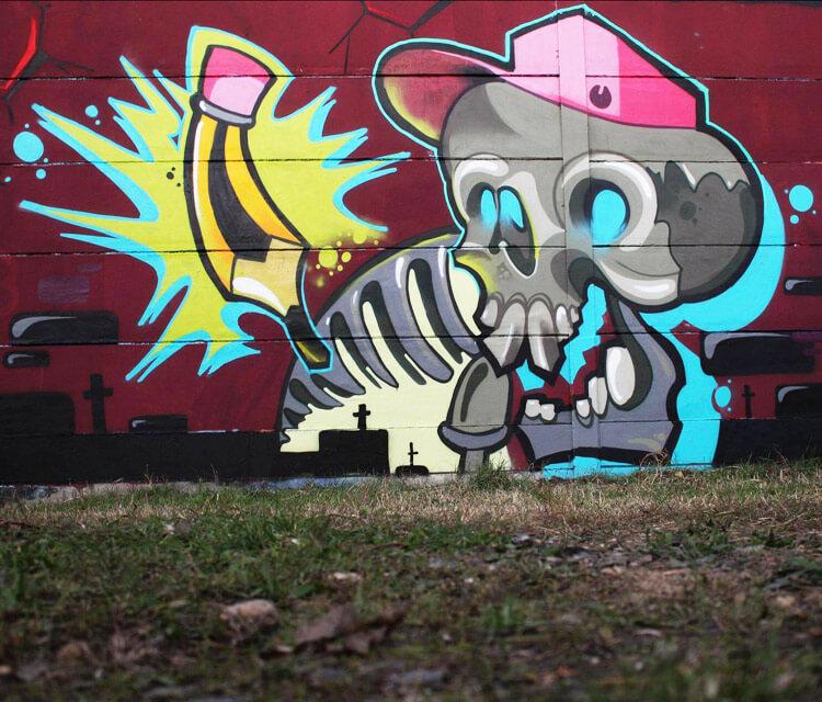 New school skull streetart by Lehel Nyeste