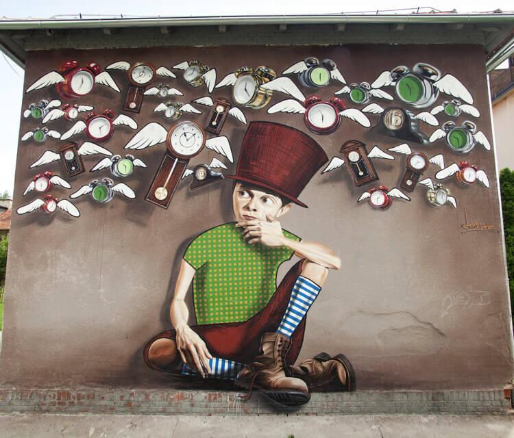 Time catcher wall streetart by Lonac Art.