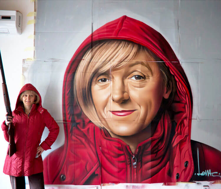 Big Red Riding Hood streetart by Lonac Art