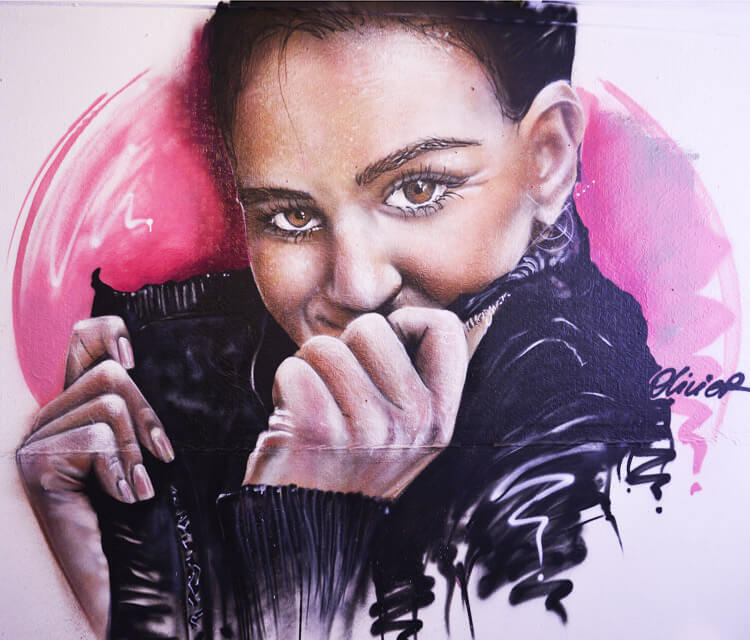 Streetart of Maud portrait by Mr Shiz