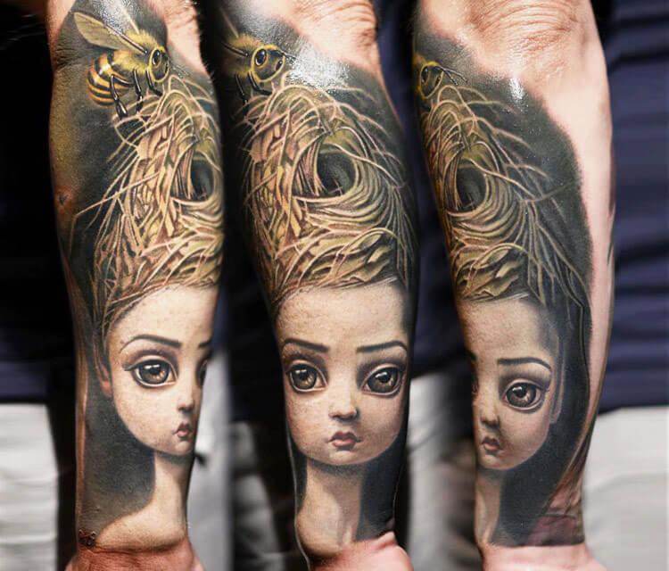 Gueenbee tattoo by Nikko Hurtado