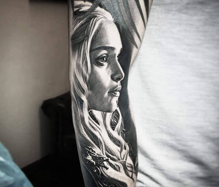 Khaleesi tattoo by Nikko Hurtado