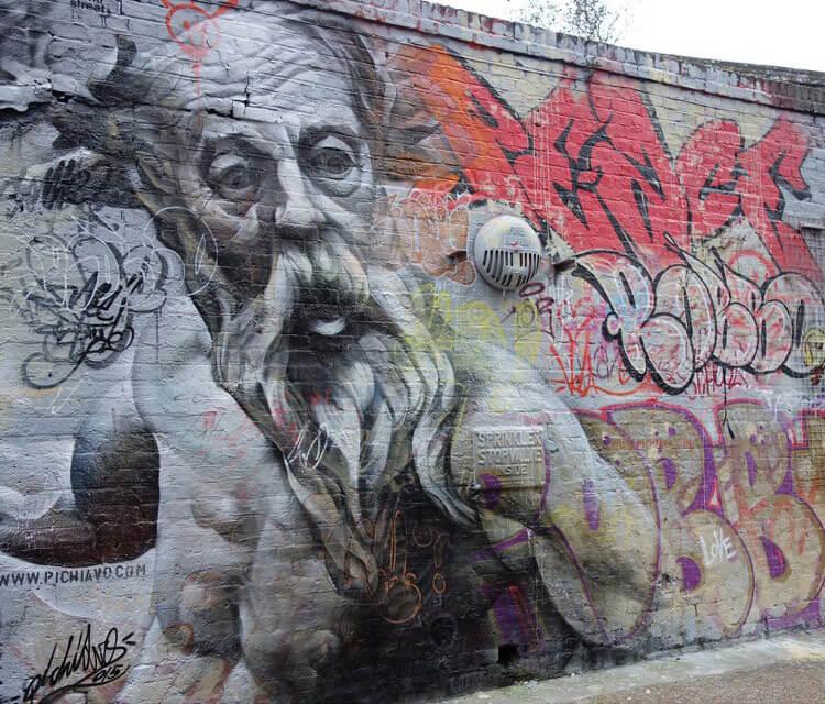 Streetart by pichiavo in East London