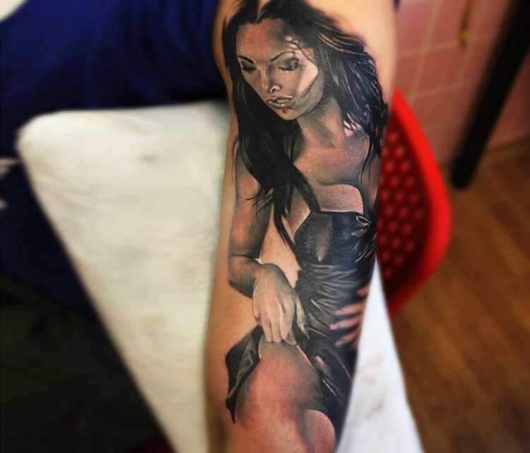 Sexy woman tattoo by Sergey Shanko