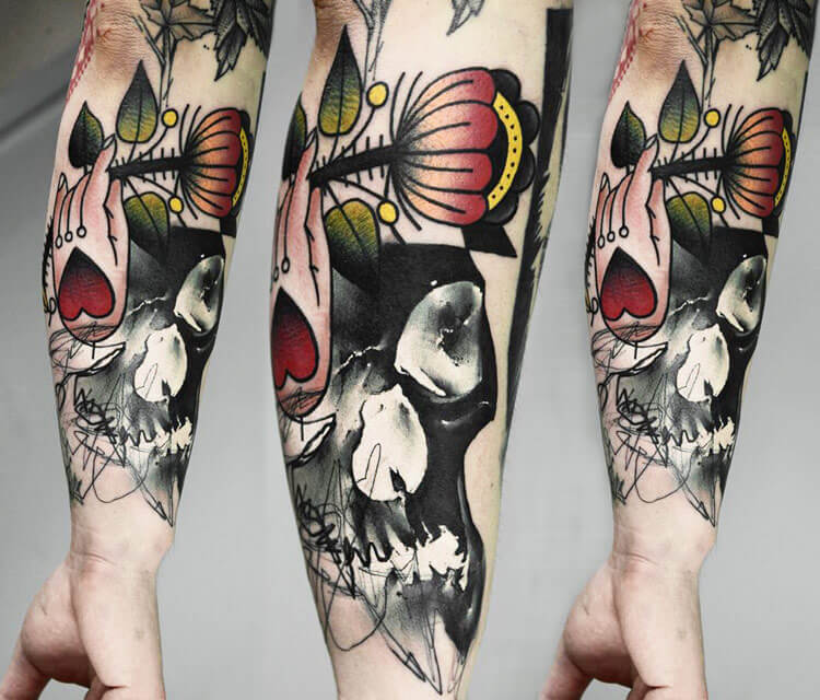 Abstract skull tattoo by Timur Lysenko
