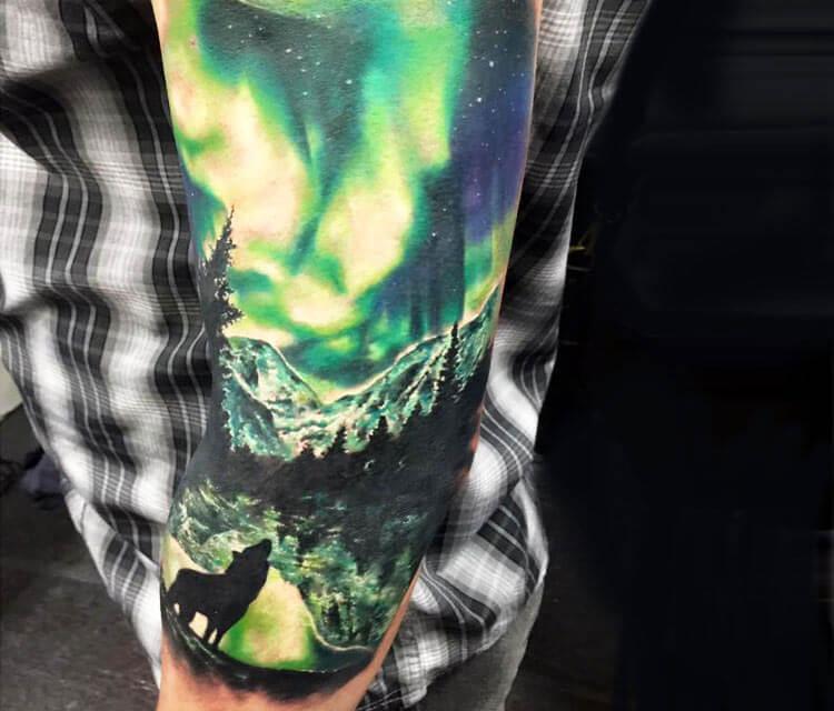 Aurora polaris tattoo by Zsofia Belteczky