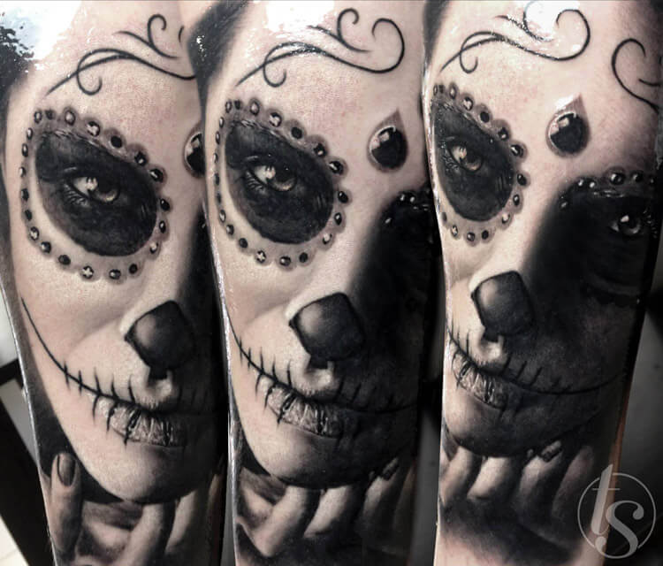Black muerte tattoo by Zsofia Belteczky