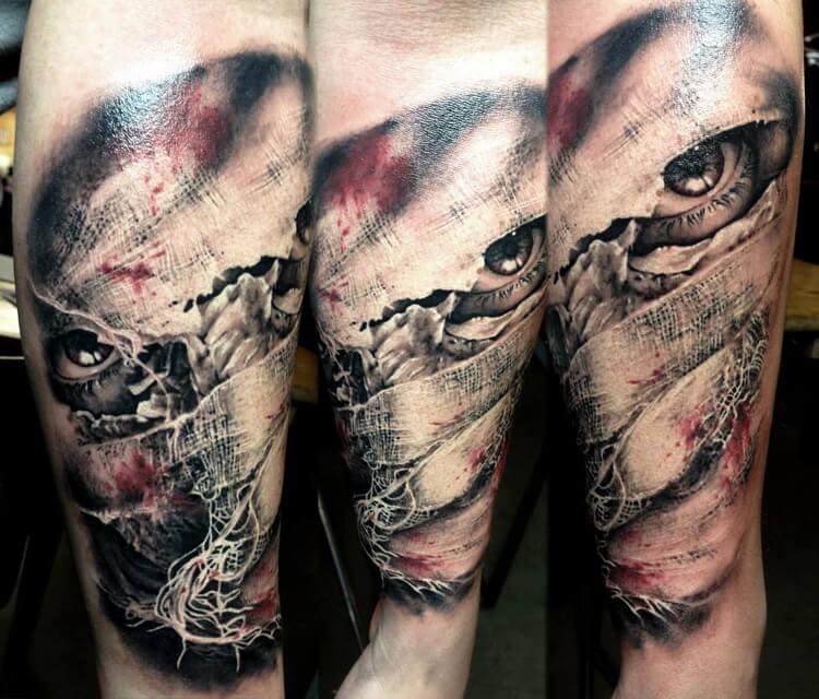 Mummy tattoo by Zsofia Belteczky