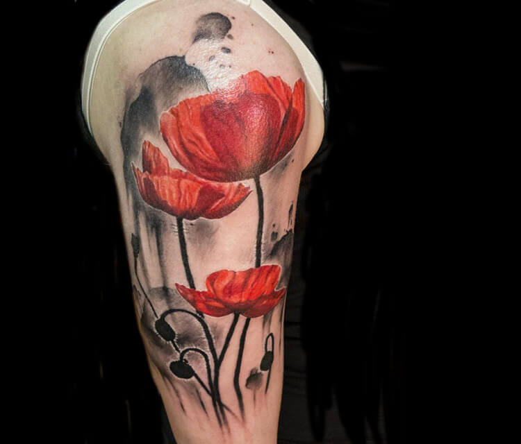 Red tulip tattoo by Zsofia Belteczky