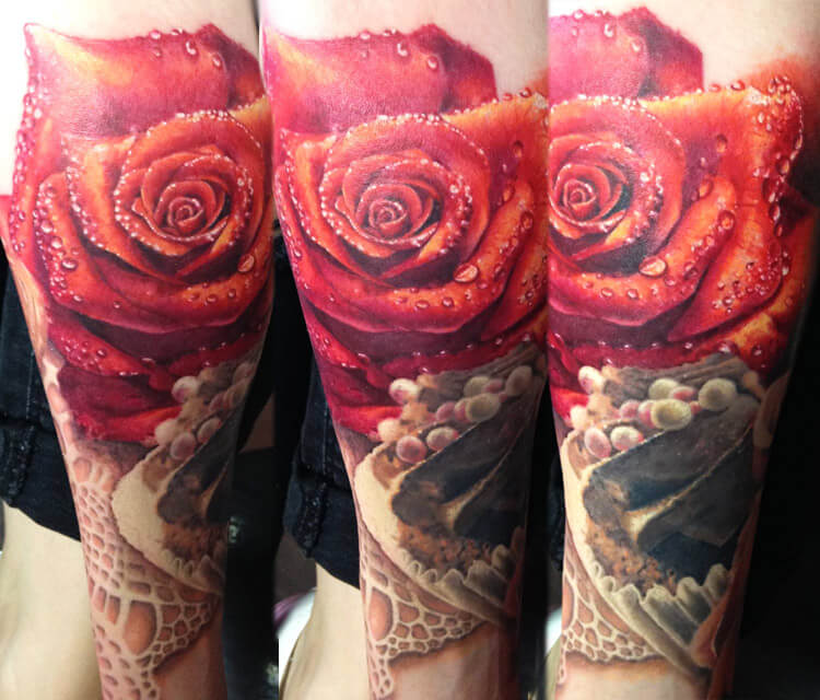 The rose is fresh tattoo by Zsofia Belteczky